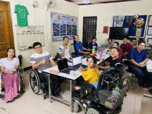 カンボジア障がい者支援NGOのメンバー